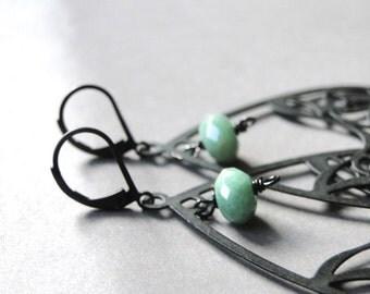 Spring Dangle Earrings / Lace Metal Findings Dangle Earrings / Green Agate Gemstones / Autumn Accessories / Drop Earrings / Birthday Gift