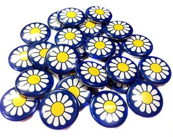 """Daisy Magnet, 1"""" Button Magnet, Daisy Decor, Daisy Scouts, Daisy Theme, Daisy Party, Blue Daisy, Daisy Party Favor, Scout Party Favor, Scout"""
