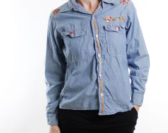 "Vintage 70's lightweight chambray / denim shirt, hippie embroidery, ""Barb"", flowers, Big Mac brand - Medium"