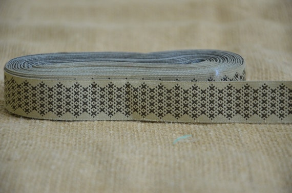 """SALE: 5 Yards New Hampshire Jacquard Ribbon  - Sewing Gift Wrapping Tan & Brown/Taupe Vines Leaves Trim  1"""""""