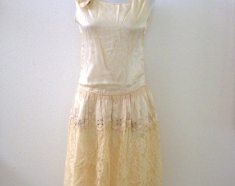 1920s Beaded Ivory Silk Flapper Dress with Lace and Rhinestones, Vintage Art Deco 20s Ivory Flapper Dress Size Small to X Small