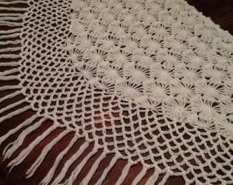 White Poncho / Vintage Poncho / Wedding Shawl / White Cape / Vintage Cape / White Fringed Shawl / Vintage Cape / Vintage Bride / kisvteam