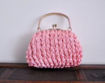 1960's pink straw bag. bubble. 60 puff bag. pastel light pink. 60's top handle purse.