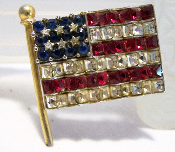Art Deco Rhinestone USA Flag Pin Red White Blue Silver Gold Tone Brooch 1016DGZ