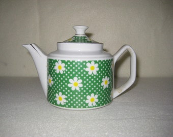 Vintage small teapot - green, yellow, white