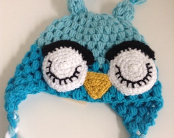 Sleepy owl blue child's crochet hat
