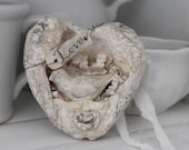 LOVE Bird, Valentine Nesting heart wings,CARTAPESTA, Jeanne d Arc style. Wall decor, Ornament