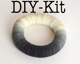 DIY Kit : Bracelet made of book pages and gray papers