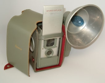 CAMERA, Ansco ANSCOFLEX 620 TLR Camera with Case & Flash