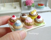 Miniature Cupcakes + Tray for 1/8 ~ 1/6 Scale BJD Barbie Blythe Dolls Food, Pastry High-Tea Patisserie Bakery (see Item Details)