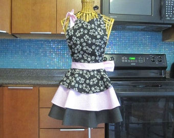 Black Pink Apron, Flirty Apron, Womens Apron, Black Pink Layered Apron, Bridal Shower Apron, Layered Apron, Full Apron, Pink Black Apron