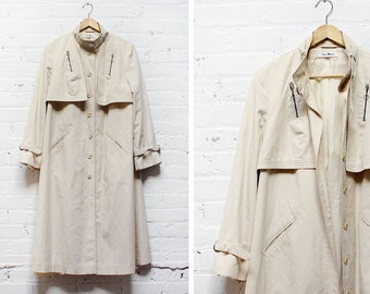 Swing Trench Coat M • Rain Jacket Made in Hong Kong • Vintage Tan Jacket | O169