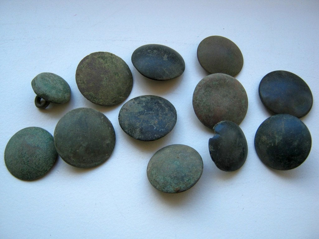 dating old flat buttons With the exception of some cast pewter buttons both types have flat encountered in former spanish luisiana, both old west and east florida.