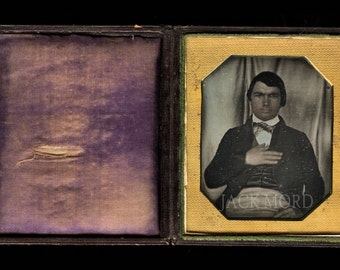 Rare Early Photography c1843 1/6 Daguerreotype of a Man ~ Full Intact Seals & Case