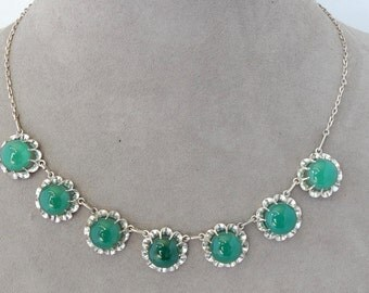 Vintage Green Jadeite Czech Choker Necklace in Silver