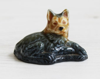 Wade Whimsies - wolf british wildlife black brown  - Miniature Figurine 00