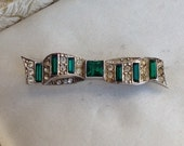 Vintage Art Deco Green and Clear Paste Crystal Bow Brooch