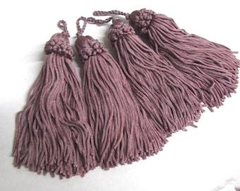chainette FOUR TASSELS one price /dark lavender