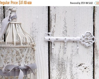 On Sale WHITE Key Hook  / Wall Hook / Skeleton Key Rack /Iron Wall Hook /  Shabby Chic Decor