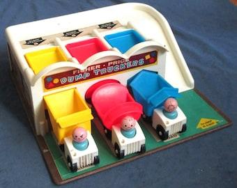 Fisher-Price Toy 979 Dump Truckers w/dump trucks & LP figures