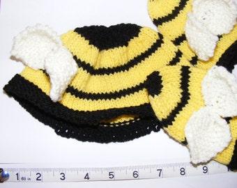 Bumblebee Hat and Mit Set