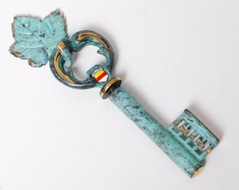 Sale of 30% vintage brass corkscrew and hook, old skeleton key, Munster-W. Made in Germany.