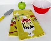 Vintage Kitchen Tea Towel Martex Dry Me Dry Mustard Yellow Retro Modern