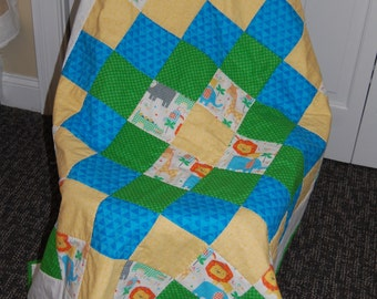 SALE, Zoo Animals Baby Quilt, Hand quilted,  Baby Bedding