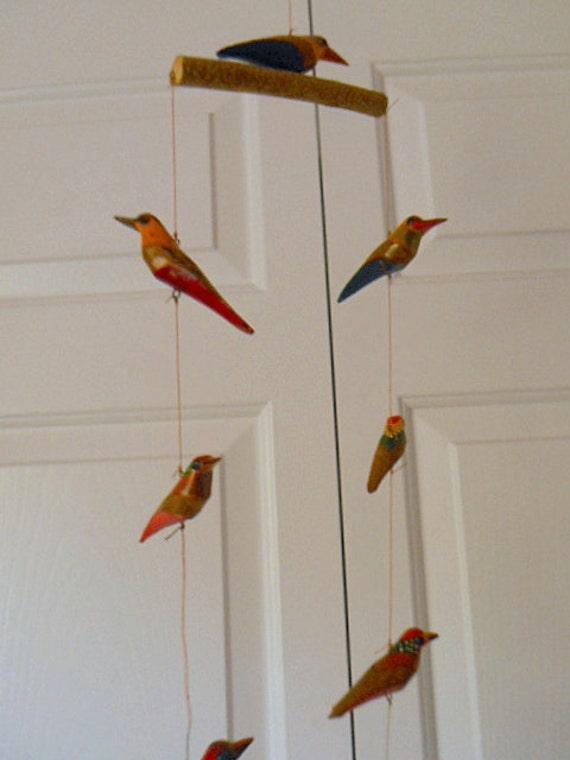 Vintage folk art wooden bird mobile for Mobili wooden art