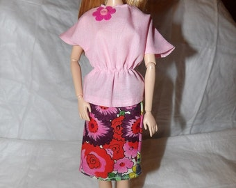 Pink bat wing sleeve top in lite pink & floral skirt for Fashion Dolls - ed853