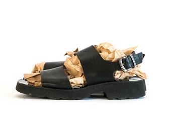 Vintage 1990's Kenneth Cole Black Leather Buckle Sandals Made in Italy Summer Men's Size 12 13 US Vtg Vg