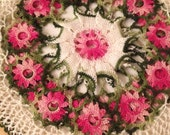 Vintage Floral Crochet Table Linens Pink and White circle Coaster Placemat EUC