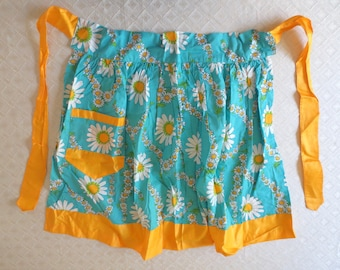 60s Cotton Daisy Half Apron, Floral Turquoise Apron, blue and yellow, Retro Kitchen, Cheery dining decor, Gift for Her, Jackpot Jen Vintage