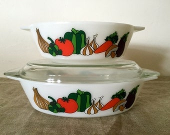 "Two Fabulous Vintage  JAJ Pyrex ""KENT"" pattern  2 1/2 pint Casserole and 2 pint round casserole. My vintage home / Vintage decor"