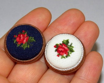 Dollhouse Miniature FINISHED Needlepoint Petit Point WHITE Round Footstool 9 1/12th scale