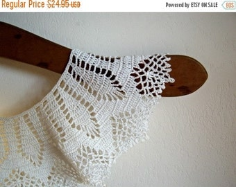 Vintage Handmade Crochet White Collar  Online Vintage, vintage clothing, home accents, vintage dress