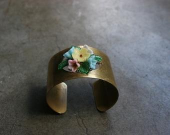 Vtg Brass Cuff with Glass Czech Flower Bouquet Corsage Jewelry