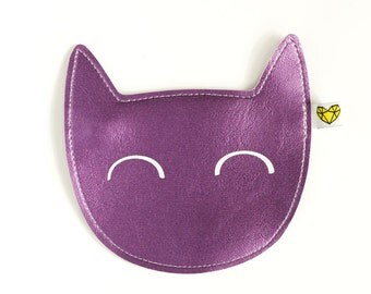 Kitty coin purse in shiny purple