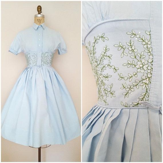 vintage 1950er jahre kleid baby blau shirtwaist florale. Black Bedroom Furniture Sets. Home Design Ideas