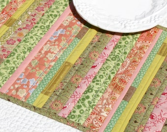 Patchwork table runner in pink and green florals, table center piece, patchwork placemat