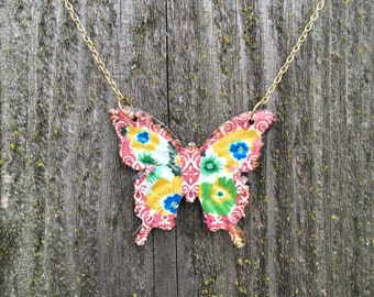 Gorgeous floral butterfly necklace