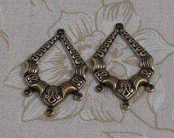 LuxeOrnaments Oxidized Brass Filigree Ornate 4 Ring Pendant (2 pcs) 35x22mm S-5615-B