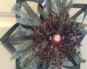 "SALE - Save 20% - Woven Christmas Wreath Alternative - Green 14"" with Santa Star"