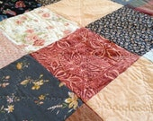 Autumn Rose, a sweet rag quilt for all seasons