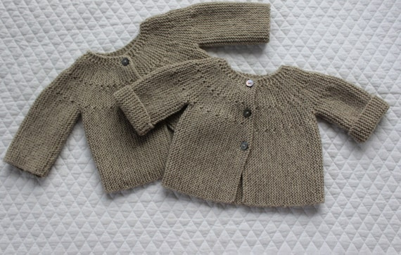 Modern Cardigan Knitting Patterns : Bebeknits Modern European Baby Cardigan Knitting Pattern from bebeknits on Et...