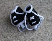 ON SALE! Baby Hockey Skates,Pregnancy Announcement, Hockey Skate Booties, Baby Hockey Outfit , Hockey Homecoming Outfit