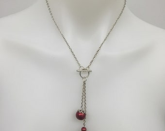 CA Red Toggle Drop Pendant Necklace_Silver tone chain