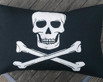 skull pillow cover - pirate pillow cover - pirate decor - skull pillow cover- skull cushion cover - decorative pillow - pirate cushion cover