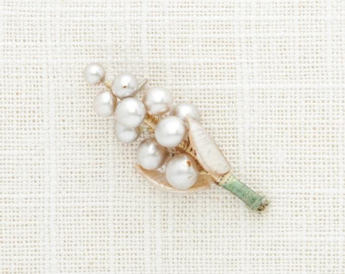 Vintage Pearl Boutonniere Pin | One Cluster VTG Pearls Brooch | Groom Groomsmen Buttonhole Kids Ring Bearer Broach 1940s Japan Pearl Wedding