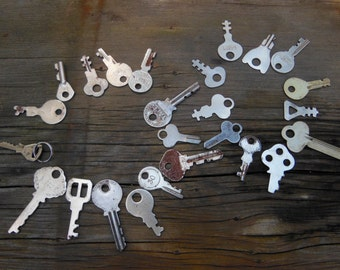 Flat keys, industrial key supply,  jewelry, steampunk, altered art supply, 25 pieces